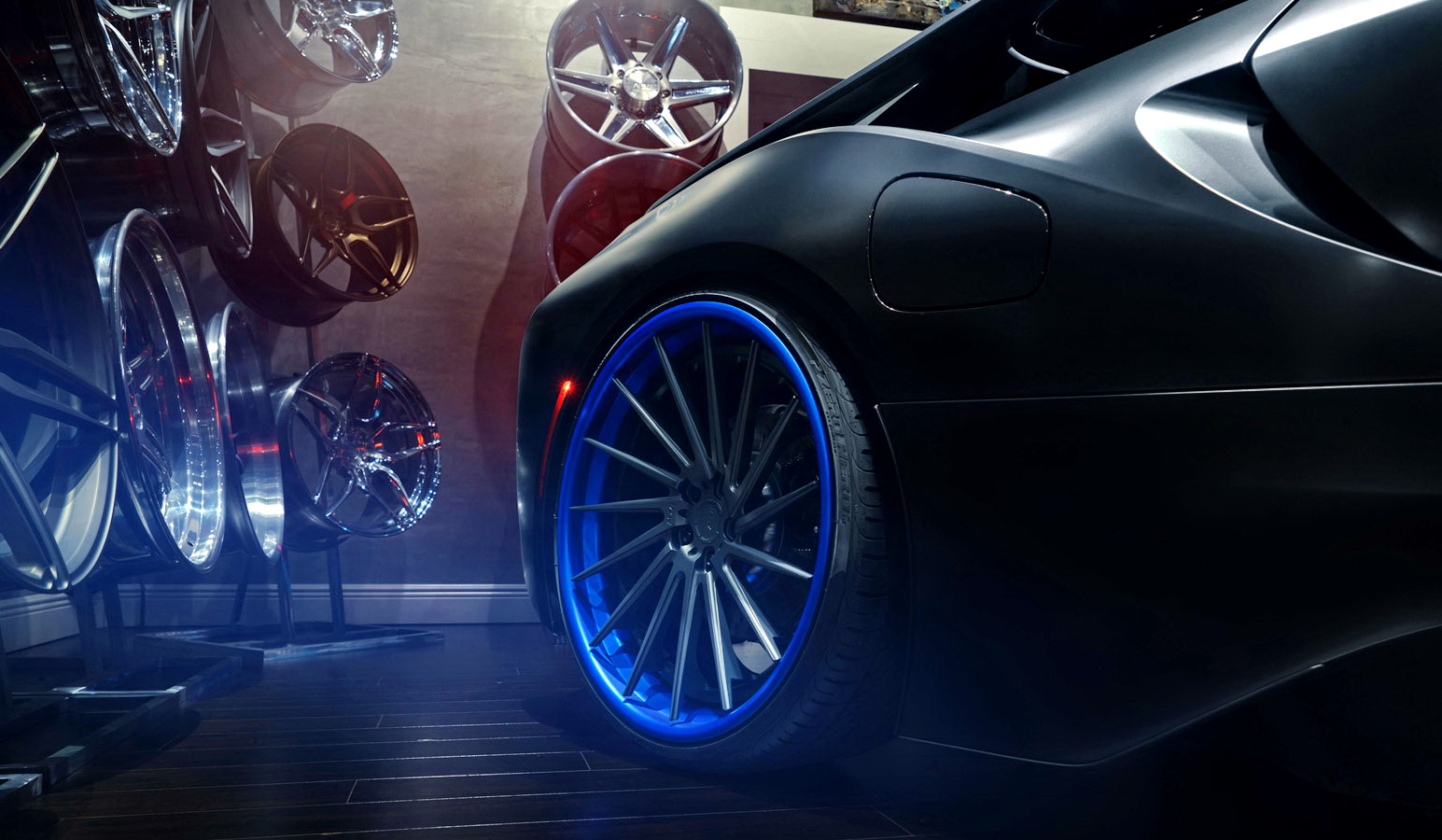 再添《BMW i8》的科技視覺效果 ADV.1 Wheels呈現精緻炫藍之作