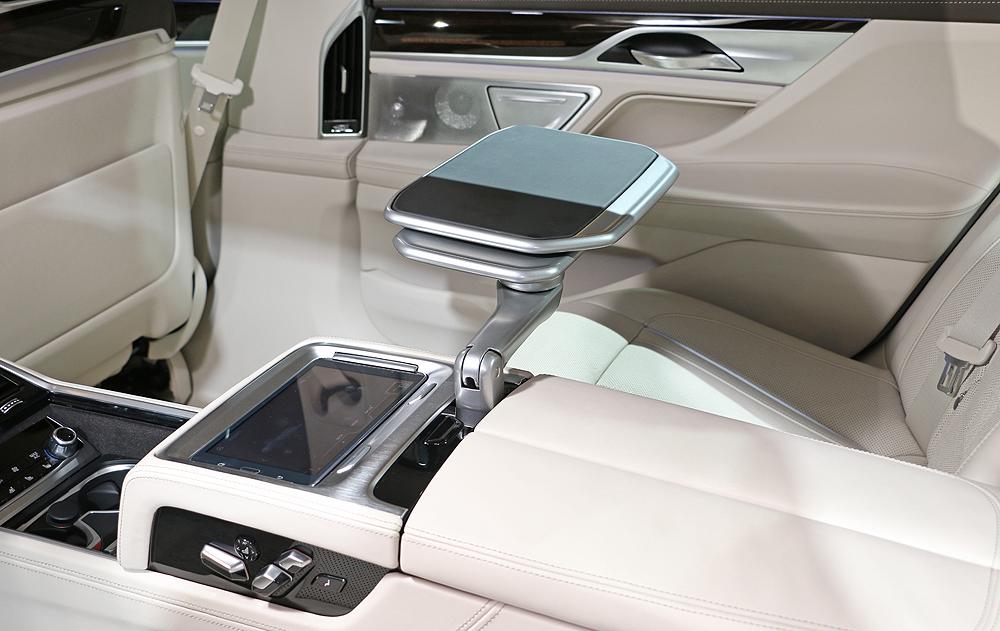 引領豪華車壇科技潮流 全新寶馬《BMW 7 Series》正式售價398萬元起隆重登場
