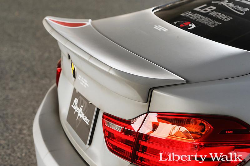低趴霸氣不下M4!LB Performance打造《BMW 4 Series》Liberty Walk套件就是帥