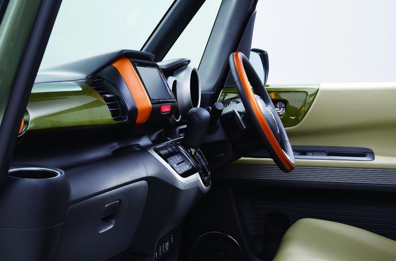 戶外野趣上身 《Honda N-Box Slash》追加Trekking主題特式車