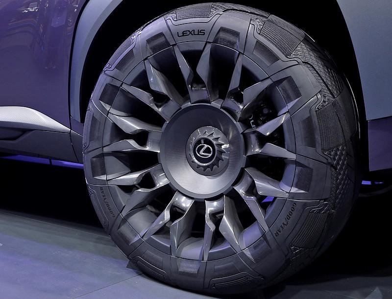 專為《Lexus UX Concept》量身訂做 固特異《Goodyear Urban Crossover》概念胎巴黎車展亮相