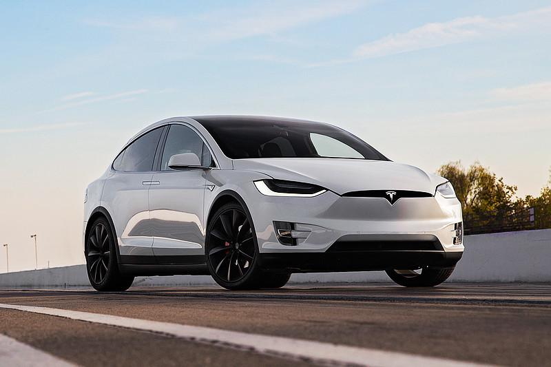 Elon Musk推特再爆料 預告《Tesla》將於10/17發表「意想不到」的最新作品