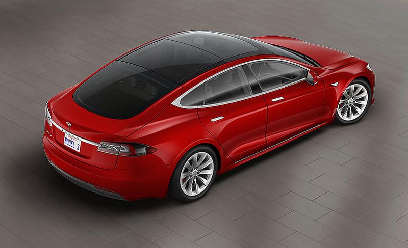 《Tesla Model S P100D Ludicrous》百公里加速只需2.5秒?全景天窗&全自動駕駛納入選配
