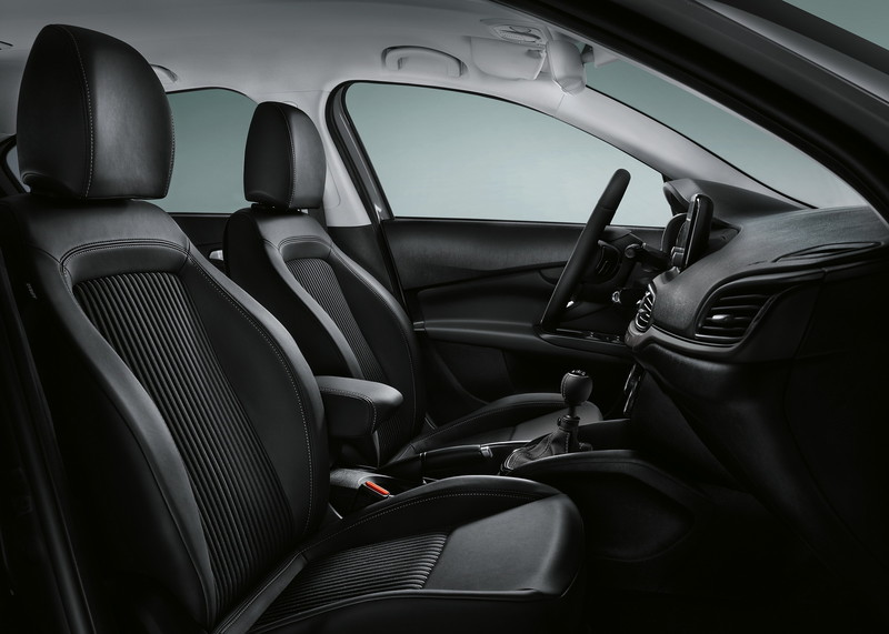 《Fiat 500X S-Design》攜手《Tipo S-Design》日內瓦動感現身