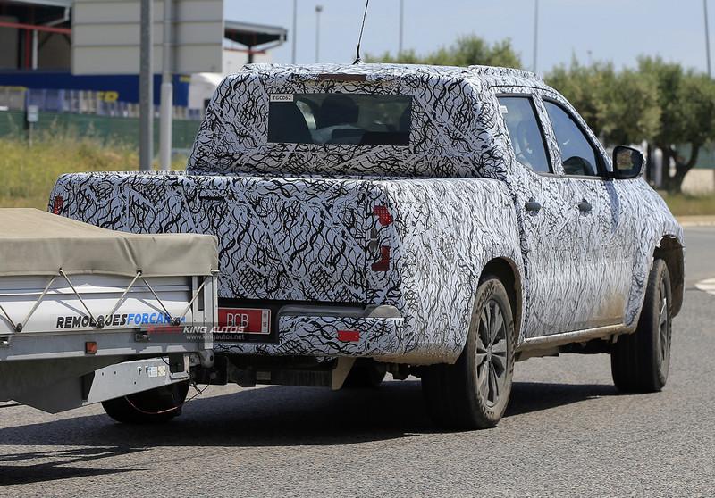 豪華野味風情 《Mercedes-Benz X-Class》賓士貨卡偽裝車再次捕獲