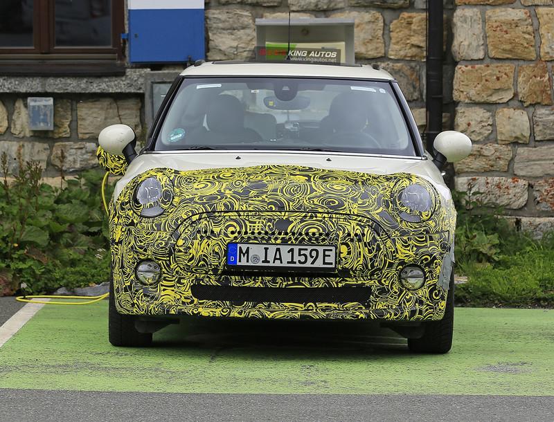 《Mini Cooper E》偽裝測試車再次捕捉 可望比照《BMW i3》動力規格