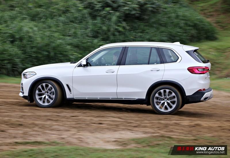 跌破你眼鏡的靈活感─新世代《BMW X5 xDrive40i》試駕,動態篇