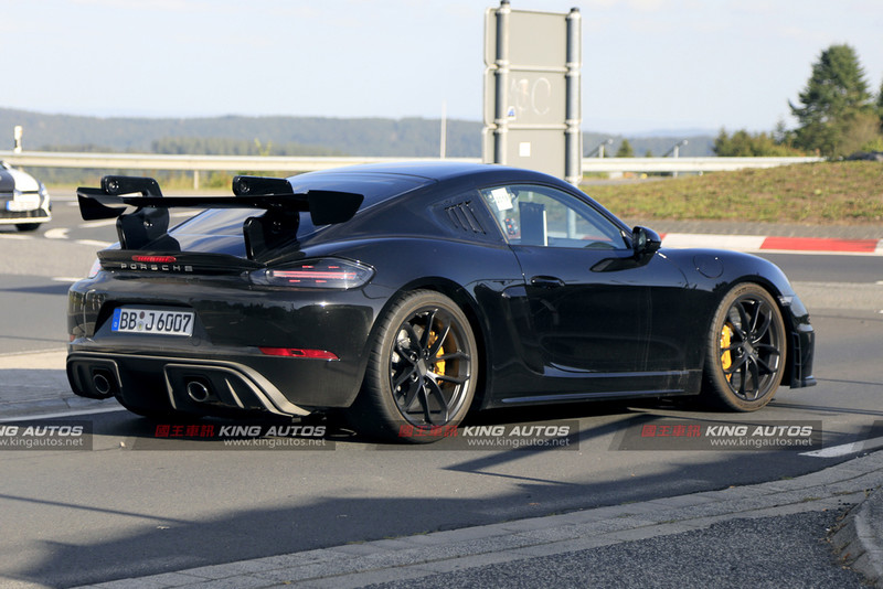 賽道小怪獸 《Porsche 718 Cayman GT4 RS》偽裝車測試中