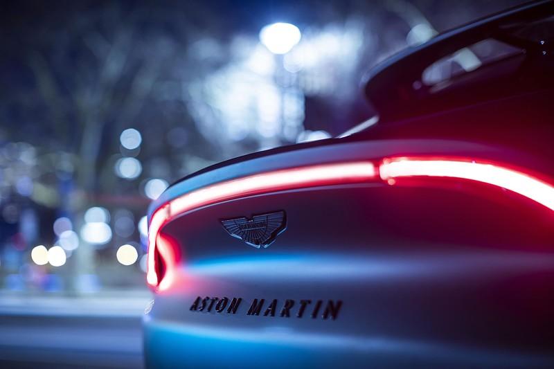 《Q by Aston Martin》推出客製化《DBX》 預告將在日內瓦車展展出