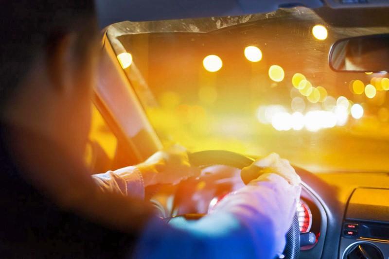 夏日開車抗熱作戰(四)那些車主必須、一定、非得貼高檔《隔熱紙》?