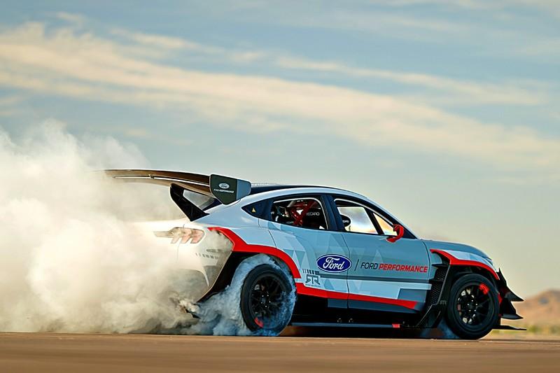 《Ford Mustang Mach-E 1400 Prototype》 高達1400hp純電超跑休旅原型車! 7具電動馬達所打造
