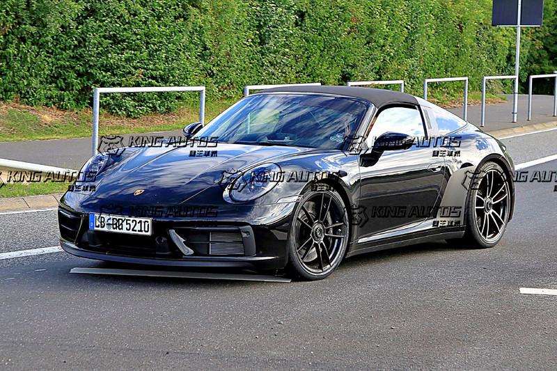 《Porsche 911 GTS Targa》低度偽裝捕獲! 全球首演日期應該也接近了!