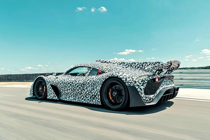 《Mercedes-AMG Project ONE》 合法街道版F1開始賽道測試! 全球限量275台早已預訂額滿! 預定2021正