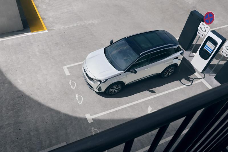 小改款《Peugeot 3008》帥氣現身 超人氣跨界雄獅可不只是有型