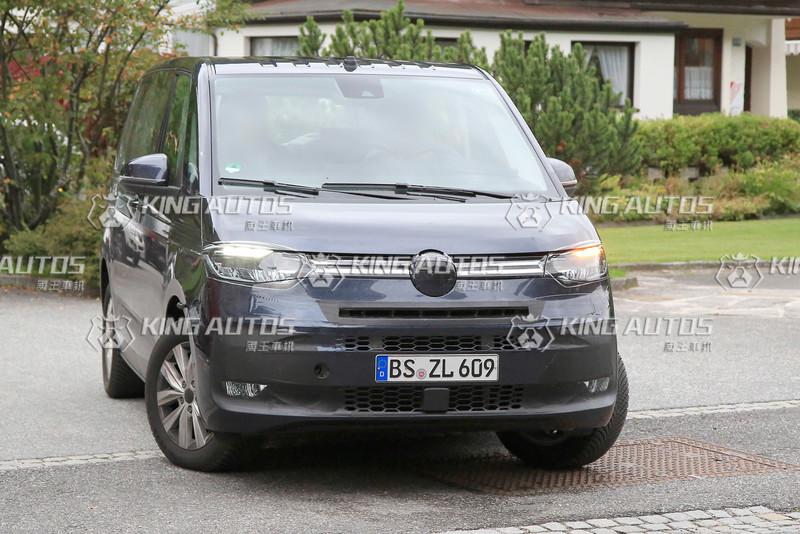 再靠近一點《Volkswagen T7》不只內裝像《Golf》還會有PHEV插電動力
