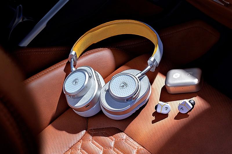 折合台幣分別約1萬、1.57萬元!《Lamborghini》兩款《Master & Dynamic》聯名無線耳機