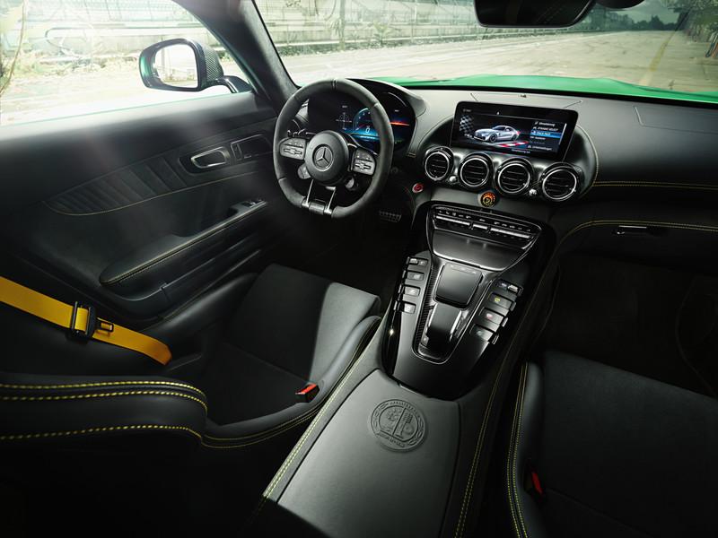 小改款《Mercedes-AMG GT/GT R》性能升級 開價697萬元起在台上市