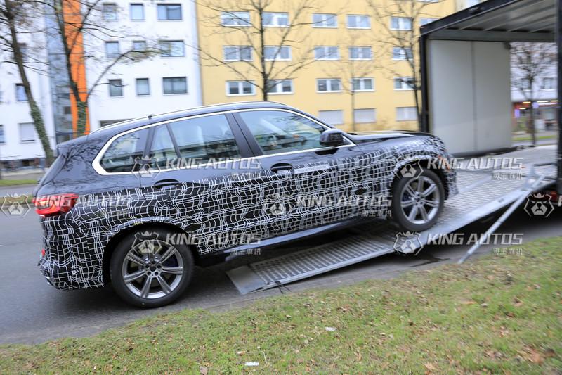 小改款《BMW X5》還不想被看光光 出來偷拍總有被抓包的一天