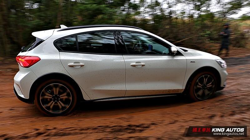 《Ford Focus Active》任性版試駕︱絕對不容小覷的輕越野實力!