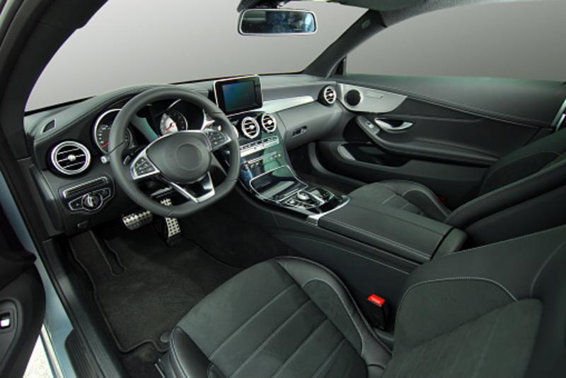 汽車無用配備名單曝光|全景車窗、腳踢尾門全上榜 「最廢配備」新車幾乎都有?