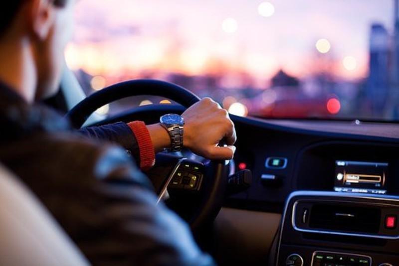 年中上路新制搶先看︱汽車強制加裝「行車紀錄器」 危險駕駛、製造噪音處分加重?