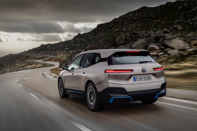 瞄準EQC打趴 e-Tron?《BMW iX》推兩車型上看馬力500匹/續航600公里