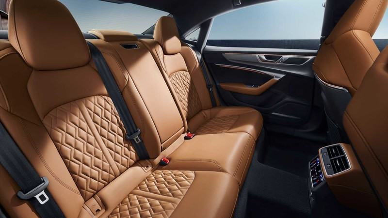 不只有首款純電SUV概念車!A7長軸變形版的轎車《中國上汽奧迪A7L》正式揭幕 48V+全輪驅動+335匹馬力