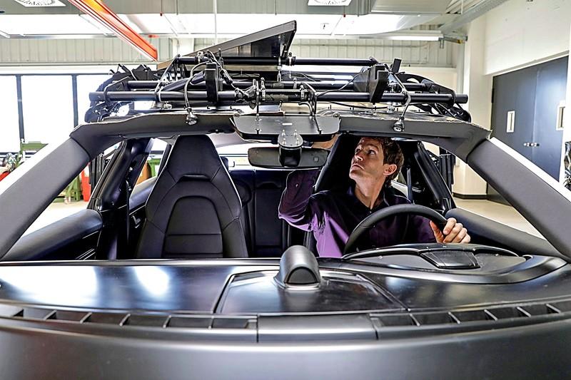 比1:1模型還好用!《Porsche Taycan Cross Turismo》套件功能模型 大公開