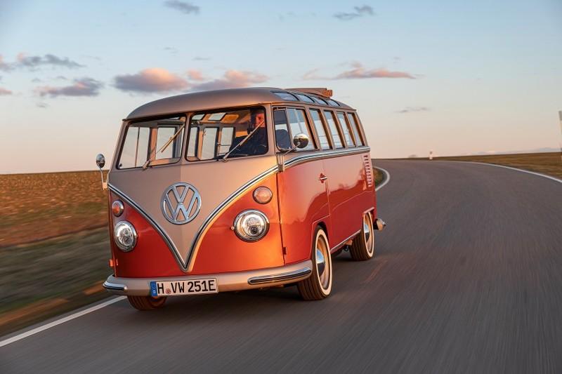是在致敬《Volkswagen T1》?大陸新款MPV《SS Summer》亮相 採6人座配置+可升高車頂