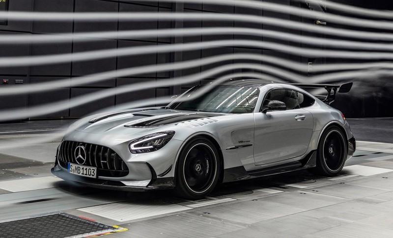 紐柏林最速量產車《Mercedes-AMG GT Black Series》限量抵台|直上730匹外加賽道黑科技