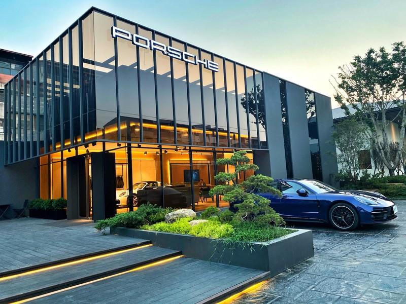 《Porsche NOW》全新尊榮服務概念店 台南開幕