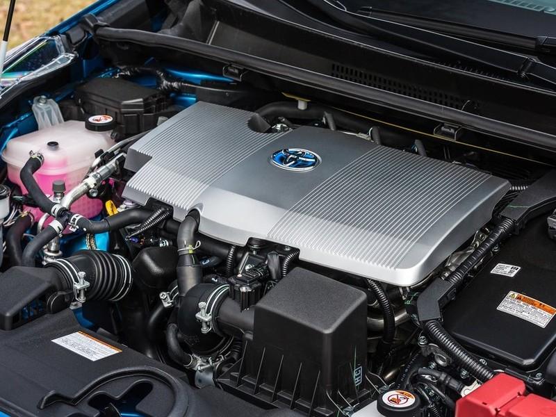 《Toyota Prius》6月2日改款? 官方釋出黑漆漆預告圖令人猜不透