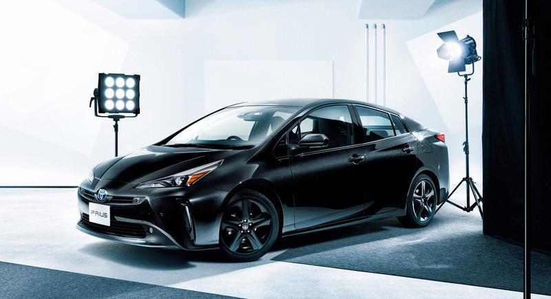 日規《Toyota Prius》也推黑化特仕車 《Prius / Prius PHV》同步進行產品改良