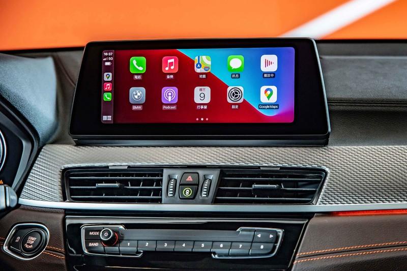 全車系增天窗、音響、腰靠!新年式《BMW X2》正式上市 還多了撞色亮橘特仕車