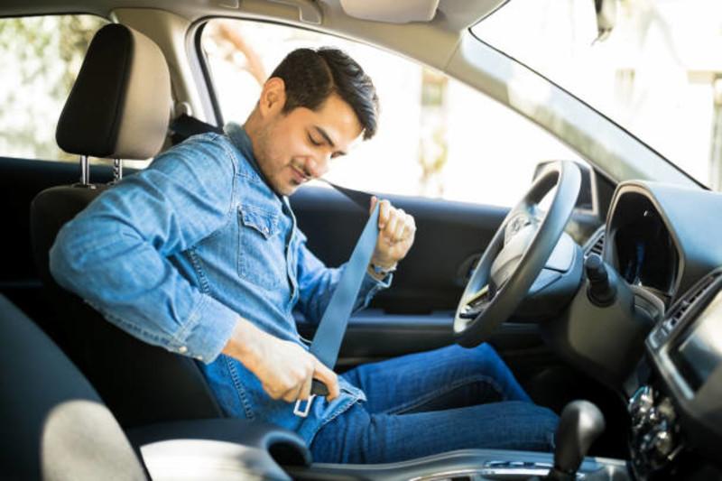 《1-5月國道交通事故》較同期增加!未繫安全帶+超速佔70% 最高罰2萬4再吊銷駕照?