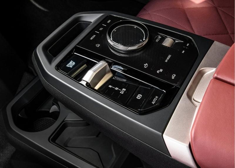年底前發布 售價估計破500萬?純電休旅車《BMW iX》詳細規格曝光 630公里續航+Shy Tech隱形科技