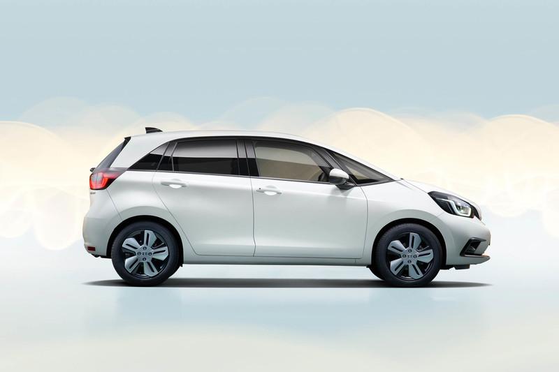 大改款《Honda Fit》到底貴不貴?(一)恐怕要用時尚精品的角度來衡量!