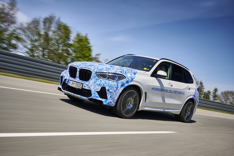 《BMW》表示:放棄內燃機 2030年在全球將少掉一半的市場
