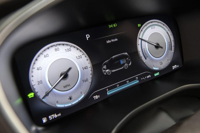 小改款《Hyundai Santa Fe 》7月1日登台 2.2升柴油引擎有機會配四驅系統?