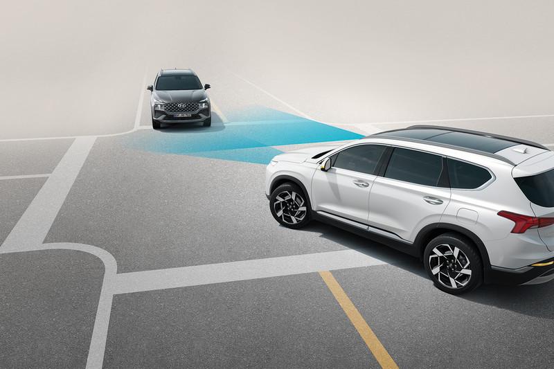 小改款《Hyundai Santa Fe》首波發表2.2升柴油車型144.9萬起、1.6升油電車型145萬起同步接單
