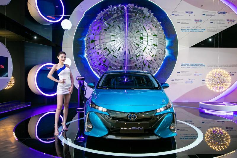 豐田神車平均油耗破百公里!全新《Prius PHV》舊換新震撼價99.9萬 國內限量30台