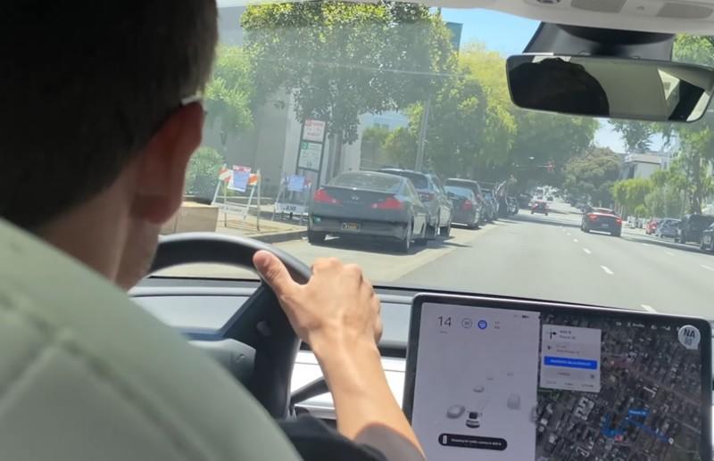 美國車主實測「FSD Beta V9」差點遭罰又撞車!5大技術問題都跟鏡頭和左轉有關