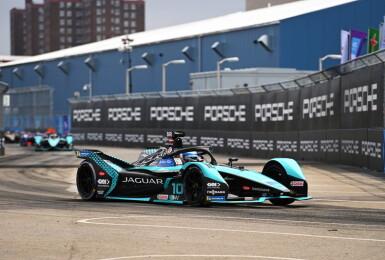 Formula E《電動方程式》Jaguar Racing賽車手Sam Bird紐約站三度奪冠