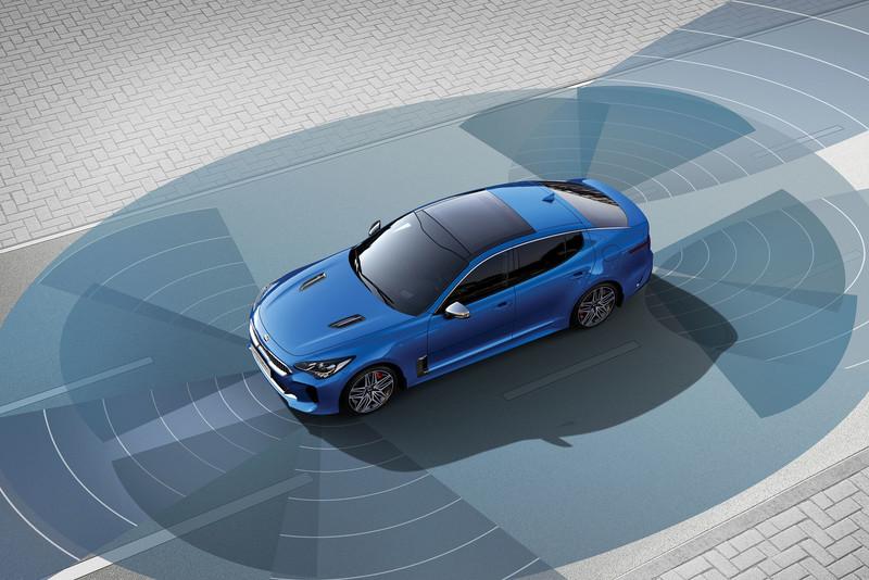 小改款《Kia Stinger》續搭2.0T及3.3T渦輪動力  148.9萬起全面標配Level 2智慧駕駛輔助