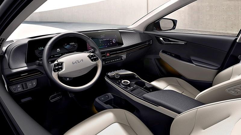 首日接單破2萬輛驚人紀錄!《Kia EV6》內裝配備TFT曲面螢幕 有望於台灣登場?