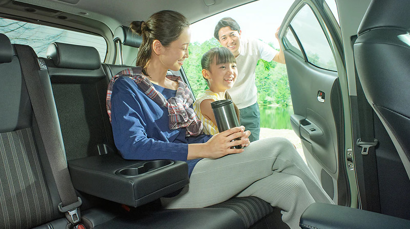 大改款《Toyota Prius c》日本率先發表 每公升可跑35.8公里還能當行動電源!