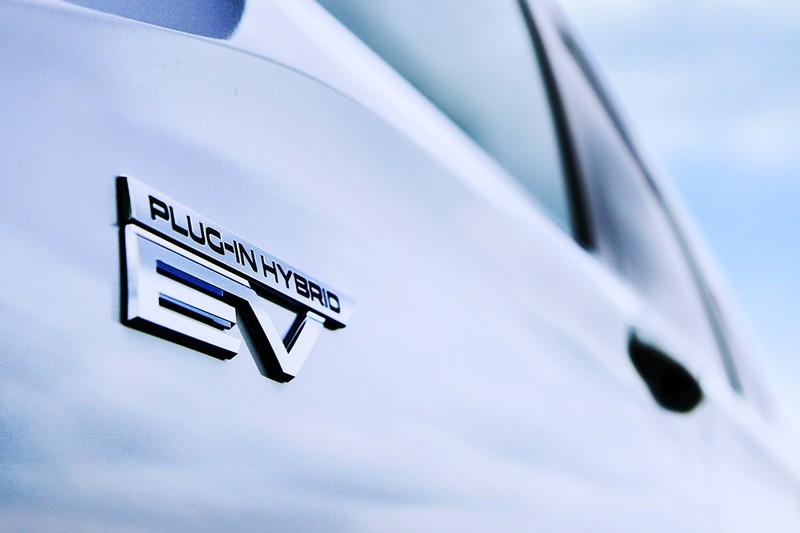台灣積極爭取中!大改款《Mitsubishi Outlander PHEV》今年底日本發表 轉虧為盈全靠它