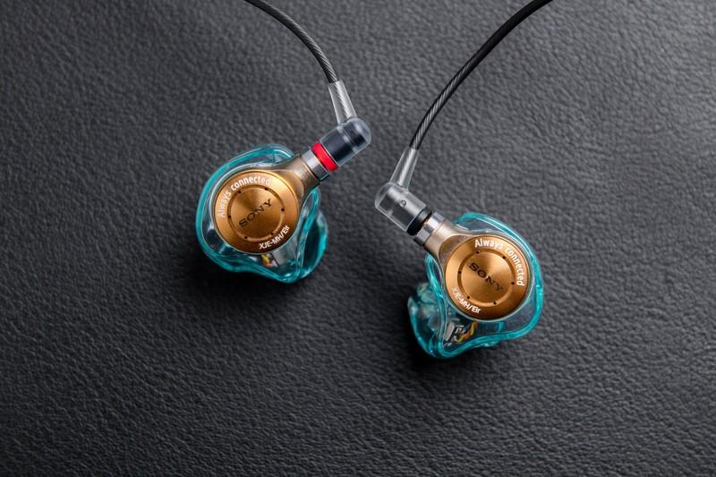台幣7.29萬!《Sony》客製化耳機《藍井艾露》調音版 XJE-MHREIR 即將在台上市