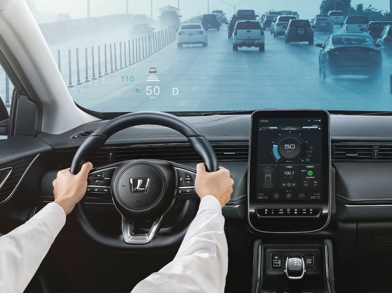 79.8萬有ACC!《Luxgen URX》ADAS巡弋版上市|還有360度環景影像、感應式電動尾門