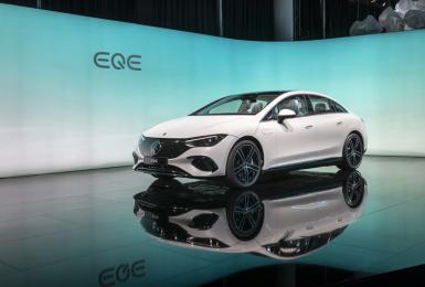 《Mercedes-Benz EQE 350》單馬達後驅設定 續航里程660公里 多項實用選配等你花錢解鎖